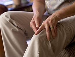 After joint replacement: What you need to know if you live alone